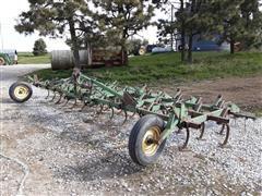 John Deere 1100 3-Pt Field Cultivator
