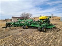 2004 John Deere 1895/1910 Air Seeder & Commodity Cart