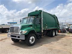 2005 International 7400 T/A Rear Load Garbage Truck
