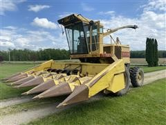 1991 New Holland 2115 Self-Propelled Forage Harvester W/Hay And Corn Heads