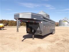2010 Titan Gooseneck T/A Livestock Trailer