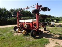Case IH 900 12RN Planter W/Corn & Bean Drums