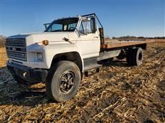 1986 Ford F800 S/A Flatbed Truck