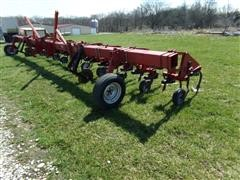 Case 183 12-Row Cultivator