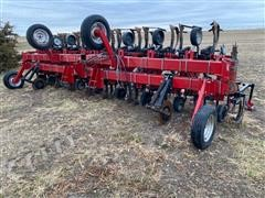 "Case IH 183 16R30"" 3-Pt Row Crop Cultivator"