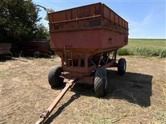 M&W Gravity Grain Wagon