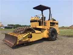 Caterpillar CP-433 Self-Propelled Padfoot Compactor