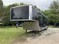 2002 Delavan Tri/A Enclosed Trailer