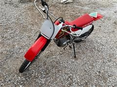 2000 Honda XR100R Dirt Bike (INOPERABLE)