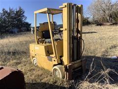 Clark C500-560 Forklift