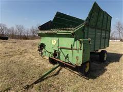 John Deere 122 Silage Wagon