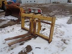 Caterpillar 950 Pallet Fork Attachment