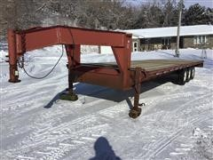 1999 Road Boss 30' Tri/A Gooseneck Flatbed Trailer