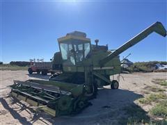 John Deere 7700 Combine w/ Wheat Head