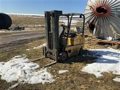 Caterpillar T40D Forklift (INOPERABLE)