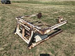 Besler 1500 Pickup Bed Bale Loader