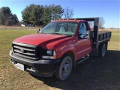 2002 Ford F350 Super Duty 2WD Dually Flatbed Pickup