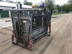 Bowman Super Duty 5000 Hydraulic Squeeze/Head Cattle Chute