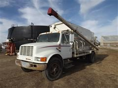 1991 International 4700 S/A Bulk Feed Truck