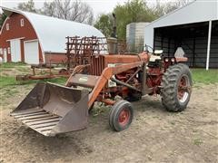 International 806 Farmall 2WD Tractor W/Loader