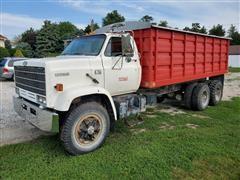 1981 Chevrolet C6500 Kodiak T/A Grain Truck