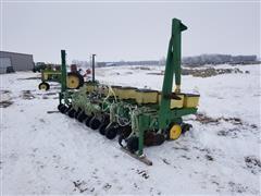 """John Deere 7100 6R36"""" Planter"""