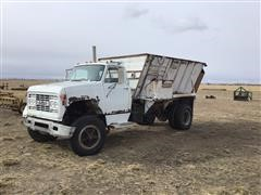 1974 GMC C7000 S/A Feed Truck