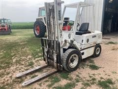 Clark C500YS60 6000 Lb Forklift