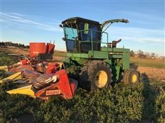 John Deere 5830 Self-Propelled Forage Harvester W/Head