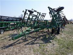 John Deere 980 26' Field Cultivator