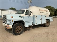 1991 Ford F800 S/A Propane Delivery Truck