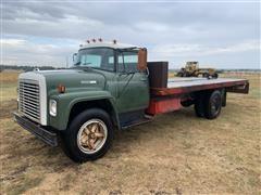 1973 International 1600 S/A Flatbed Truck W/Winch