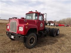 1976 Mack RD686S Cab & Chassis