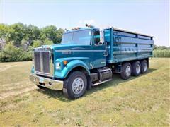 1979 White Road Boss 2 Tri/A Grain Truck