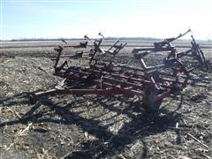 International 4500 VibraShank 18' Field Cultivator
