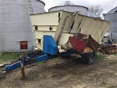 Harsh 350-MT Auger Mixer Feeder Wagon (INOPERABLE)