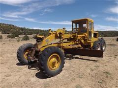 Caterpillar 8T Motor Grader