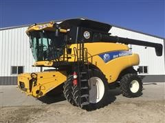 2010 New Holland CR9060 2WD Combine W/Duals