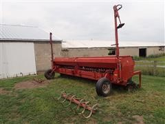 """Case IH 5400 20' 3-Pt Drill W/7"""" Spacing"""