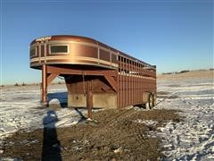 1989 Travalong T/A Livestock Trailer