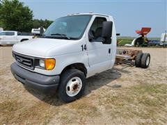 2006 Ford E450 Dually Van Cab & Chassis