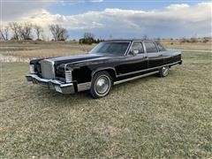1977 Lincoln Continental 4 Door Sedan