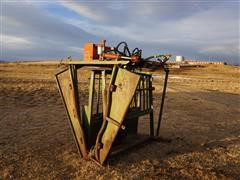 Powder River Modified Hydraulic Squeeze Chute