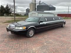 1999 Lincoln Town Car Limousine