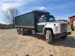 1976 International Loadstar F-1800 T/A Grain Truck