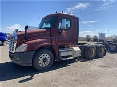 2010 Freightliner Cascadia 125 T/A Truck Tractor (INOPERABLE)