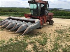 Avco 802 6R30 New Idea Uni Harvester