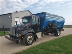 2007 Kenworth T300 S/A Feed Mixer Truck