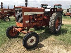 1968 International 544 2WD Tractor
