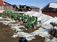 John Deere 825 6R30 Cultivator